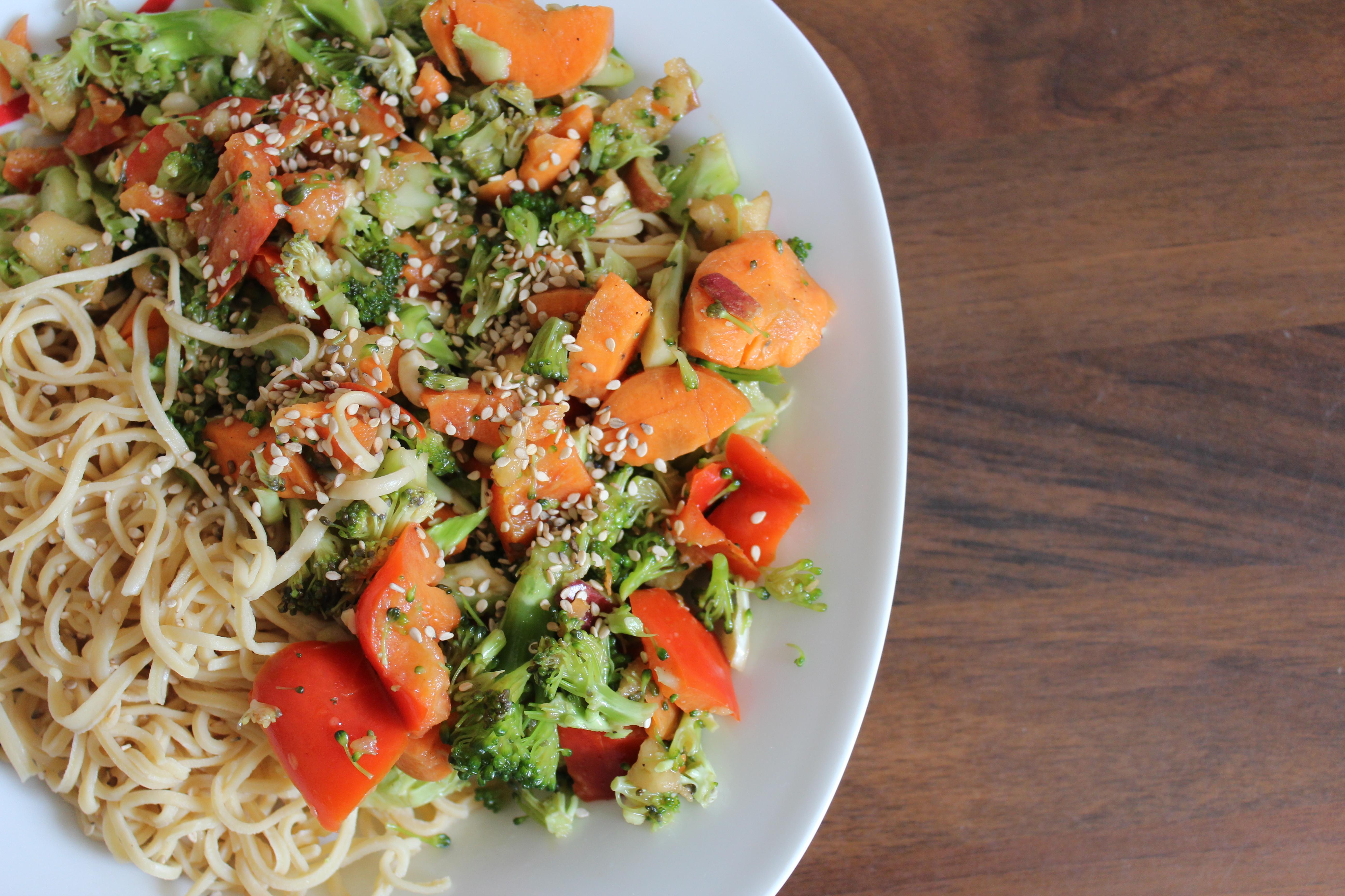 Veganer Low Carb Proztein Brokkoli Salat nach Thermomix